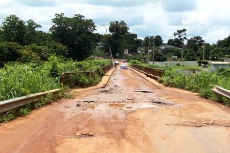 L'etat de dégradation du pont sur l'axe Bouaflé - Daloa  - Par Yoro