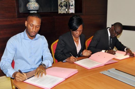 Didier Drogba à la signature