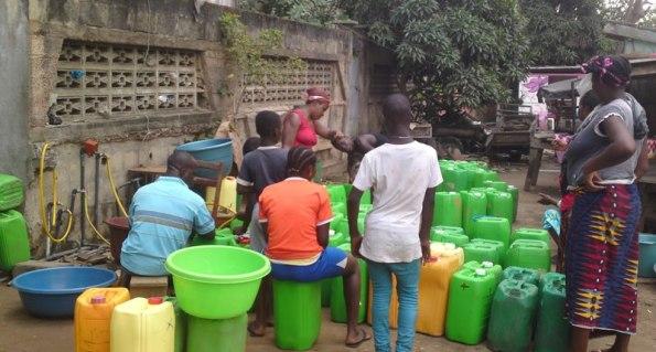 Abidjan-côte d'ivoire-eau-potable-rare-sodeci-robinet